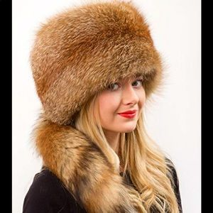 NWT. Oversized Natural Fox Hat